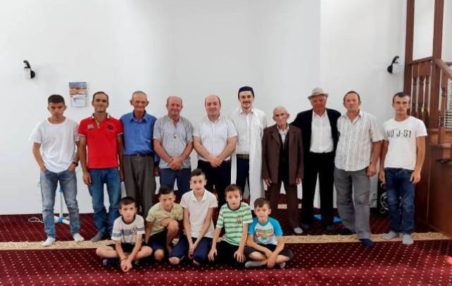 Prezantohet imami i ri ne xhamin e fshatit Qerret