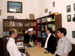 N/Kryetari i KMSH-se Bujar Spahiu gjate nje vizite ne Myftine e Pukes.