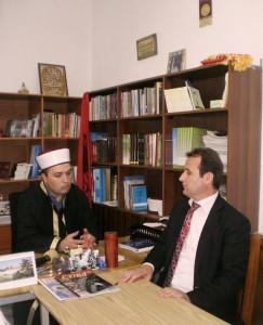 Myftiu i Pukes Gezim Kopani dhe n/Kryetari i KMSH-se Bujar Spahiu. Dt.18.6.2013