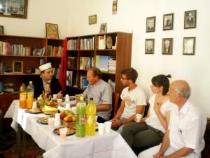 Zyrtaret e Famullis Puke duke uruar Myftiun e Pukes me rastin e Fiter Bajramit  08.8.2013