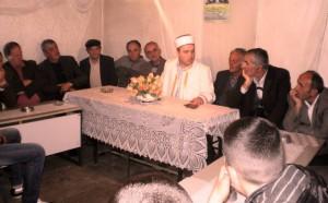 Gjate nje takimi me besimtaret mysliman ne qytetin e Fush-Arrezit me rastin e nates se Miraxhit. Dt.04.06.2013