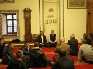 (Gjatë vizitës në xhamin e qytetit të Krujes 14 maj 2014)