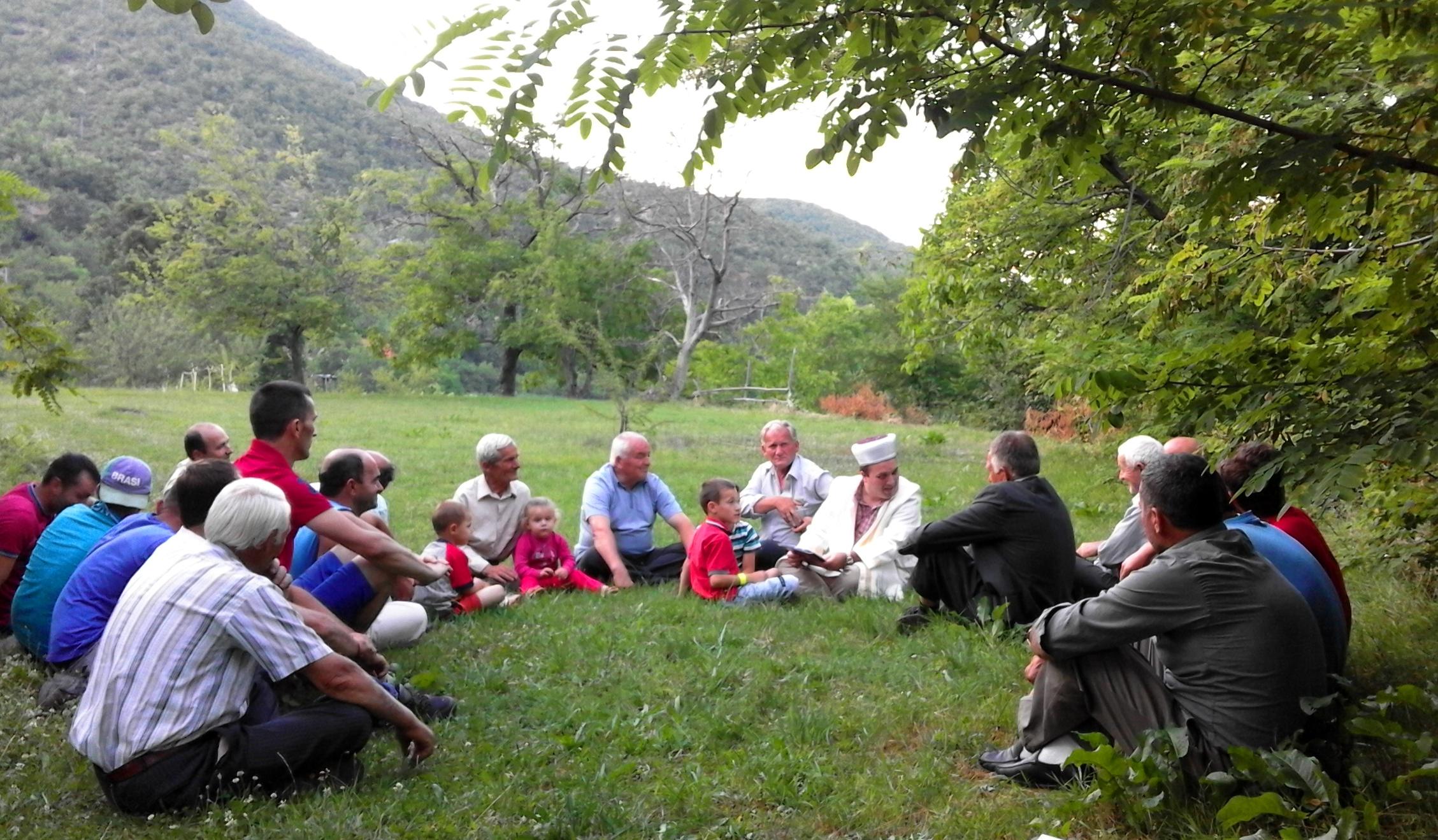 Gjate takimit ne fshatin Trun 4.07.2015