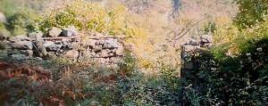 Muret e ngeluara te Xhamise se vjeter te fshatit Kryezi bere ne vitin 2007