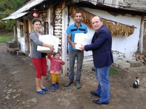 Myftinia ndihmon disa familje ne prag te Kurban Bajramit ,Trun i Poshtem,Puke14.9.2015