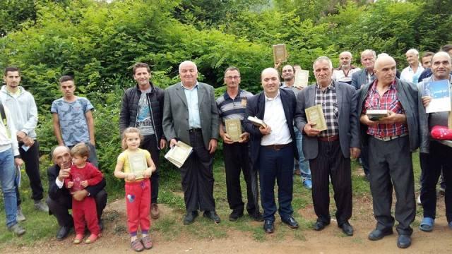 Myftiu i Pukes Gezim Kopani me besimtaret mysliman te fshatit Trun, Blerim Fushe Arrez